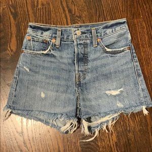 Levi's Shorts - LEVIS Wedgie fit shorts